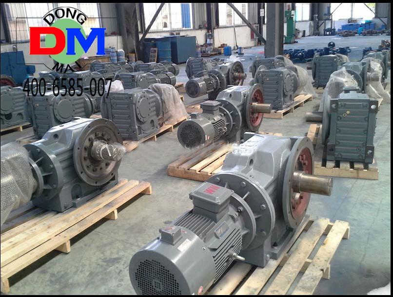 K系列斜齿轮-锥齿轮减速电机